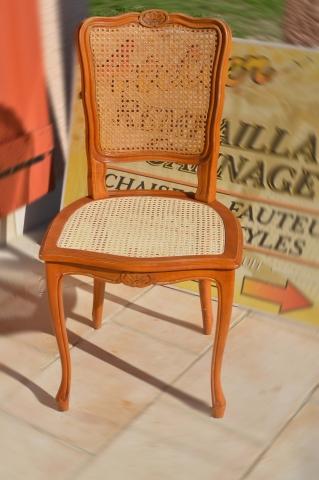 Chaise en cannage après une restauration de son assise